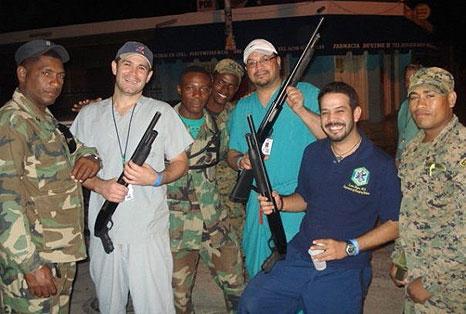 03-28-10-medicos-haiti