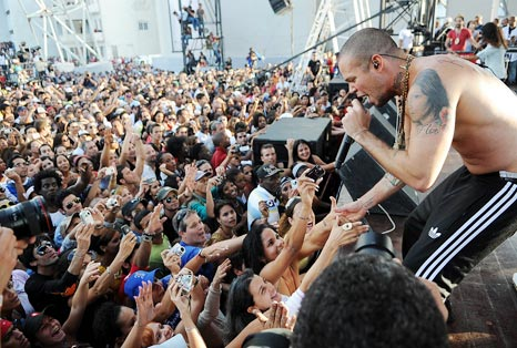 100324calle13nt