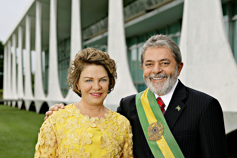 800px-President_Lula_and_Marisa_2007 (2)