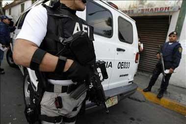 drogas_policia_armado_en_mexico_fullblock