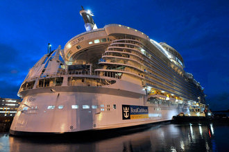 6-largest-vehicles-Oasis-of-the-Seas-thumb-330x219-44062
