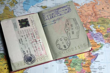 Symbolbild - Urlaub - Reisen - Reisepass