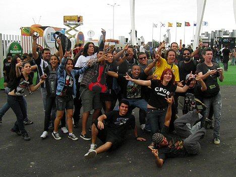 Metal-Fans bei der Ankunft