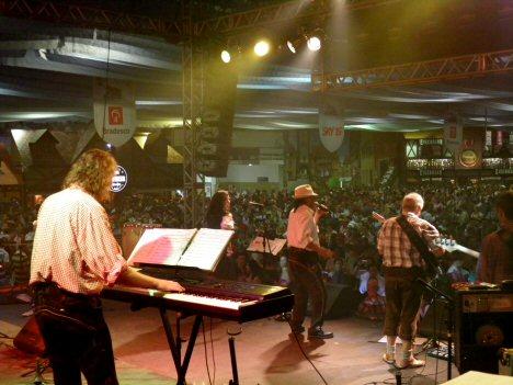 Deutsche Band beim Oktoberfest in Blumenau