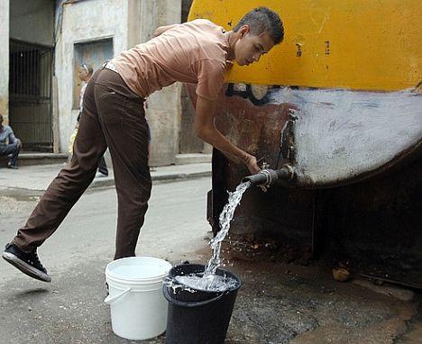 camiones-cisternas-la-habana