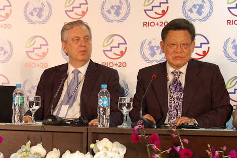 Rio+20 UN-Botschafter Machado und Rio+20 UN-Generalsekretär Zukang | Foto: Luiz Ferreira / IAPF