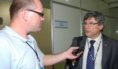 Oscar Rivas im Interview (Foto: Luiz Ferreira / IAPF)
