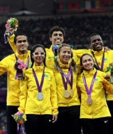 triple-medaille-brasil-230