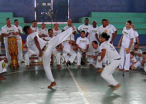 Capoeira, der Kampftanz aus Brasilien