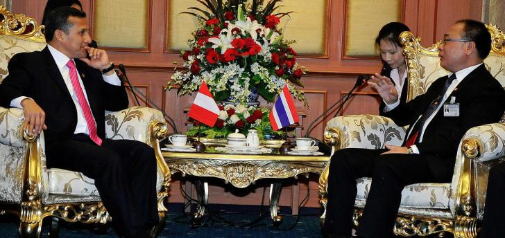 Ollanta Humala mit dem Präsidenten der thailändischen Handelskammer
