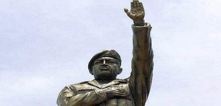 chavez-statue-bolivien