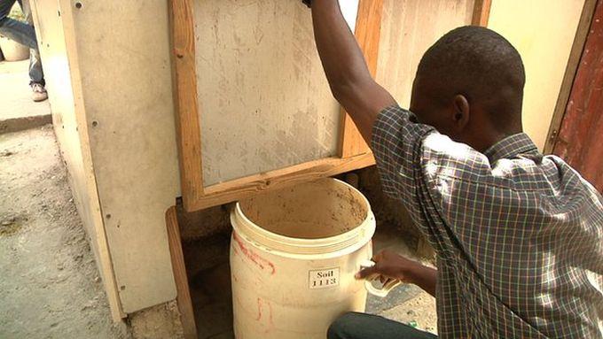 sammeln-kot-urin-kompost-haiti