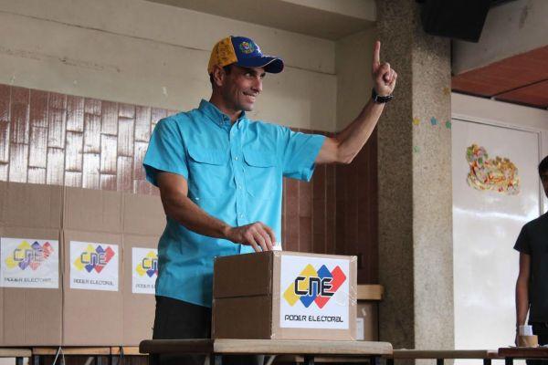 capriles-abstimmung-parlament