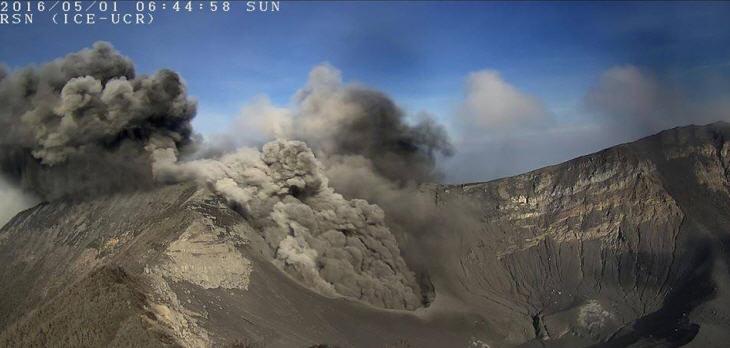 vulkan-brennt