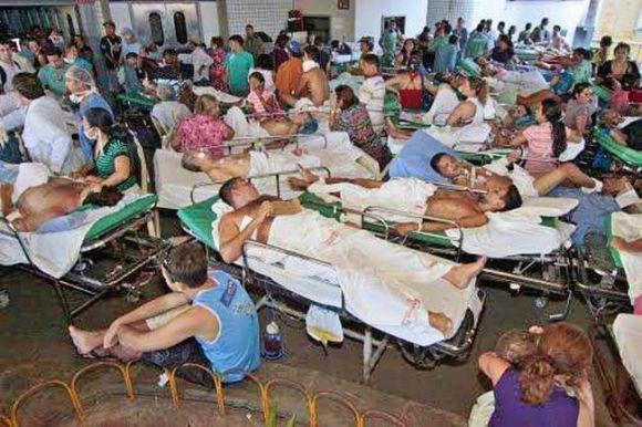 hospital-fortaleza-unglaublich-gestapelt-krank