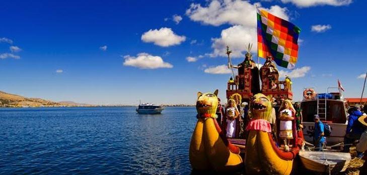 Der Titicacasee gehört zu den wichtigsten touristischen Highlights von Peru und ist Pflichtprogramm bei jeder Rundreise durch den Süden des Landes