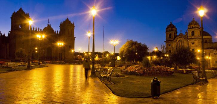 Die Hauptstadt Lima ist das ganze Jahr über eine wahre Hochburg des guten Essens und Trinkens