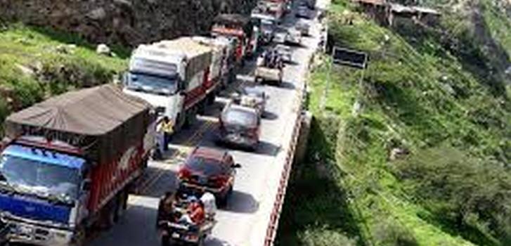 Die Hauptverbindungsstraße in Richtung Süden (und damit auch der Hauptstadt Lima) ist zurzeit an mehreren Stellen unterbrochen
