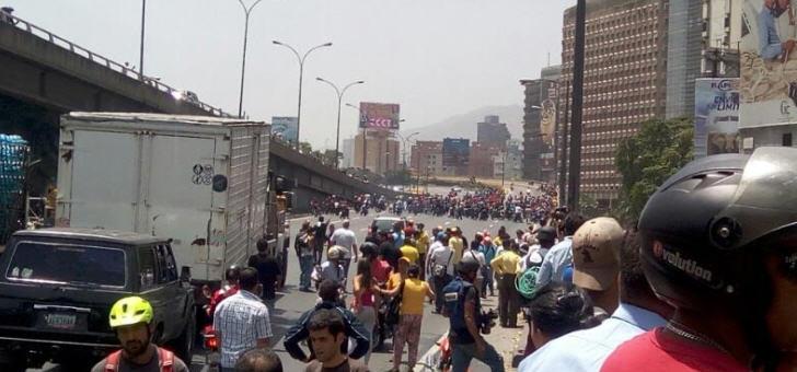 Nach Angaben der Opposition gingen Regierungschergen äußert brutal gegen die Demonstranten vor, Wasserwerfer und Gummigeschosse kamen zum Einsatz