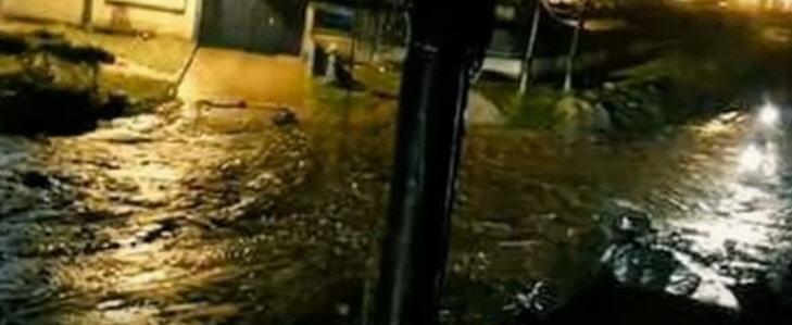 Präsident Juan Manuel Santos hat den Notstand ausgerufen, Dutzende von Häusern und Brücken sind zerstört
