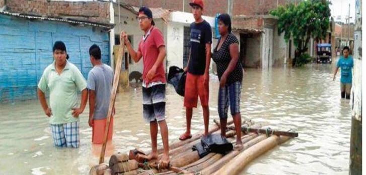 Ganze Ortschaften wurden durch reißende Ströme zerstört, fast einhundert Menschen verloren ihr Leben