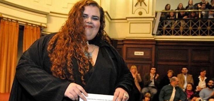 Die 33-jährige war die erste Transsexuelle, die 2010 in Uruguay einen Universitätsabschluss erhielt und lange Zeit unter Diskriminierung gelitten hatte